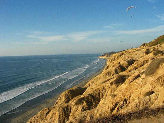 Torrey Pines State Beach: Blacks beach at Torrey Pines, California