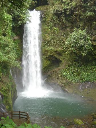 Vara Blanca, Costa Rica: Waterfall