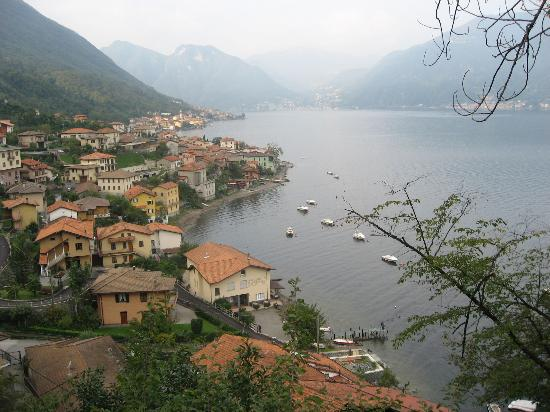 Lezzeno, Italia: View from the road to Bellagio