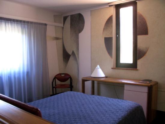 Albornoz Palace Hotel: room