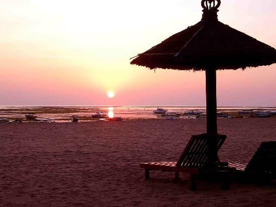 The Tanjung Benoa Beach Resort Bali: Sunrise at Ramada Benoa Beach Front