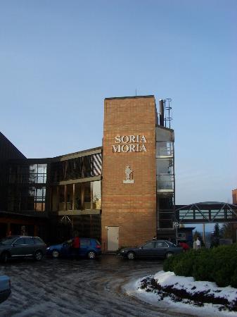 Soria Moria Hotel: Outside The Main Entrance