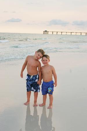 Destin, FL: boys at beach