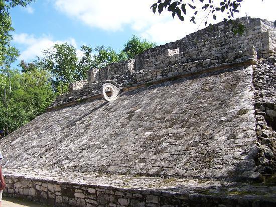 Coba, Meksyk: Basketball