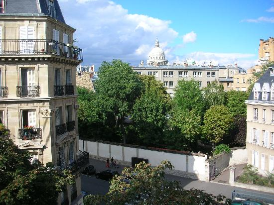 Relais Saint-Jacques: View from Hotel