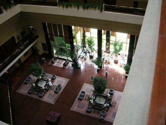 The Oberoi, Mumbai: The Lobby