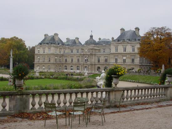 Palais du luxembourg in the jardin du luxembourg picture for Piscine jardin du luxembourg