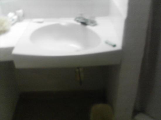 Jolly Beach Resort & Spa: The basic bathroom sink.
