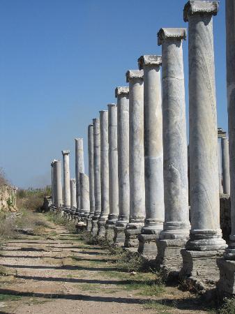 Perge Ancient City : Market Street