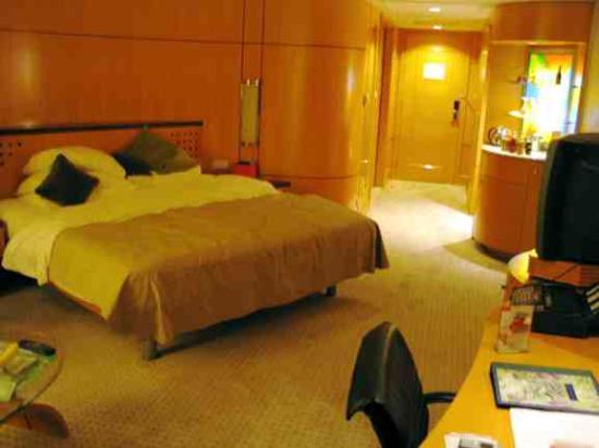 Makati Shangri-La Manila: deluxe room