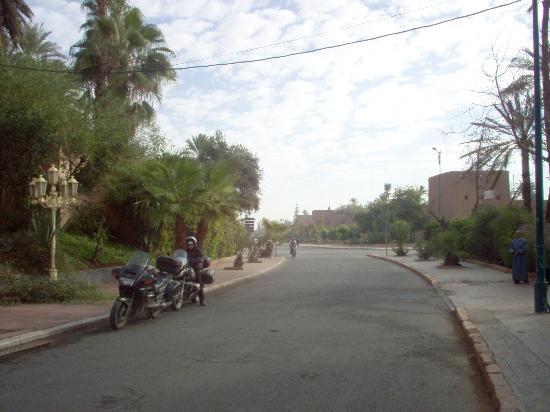 Hotel de la Menara: At the entrance