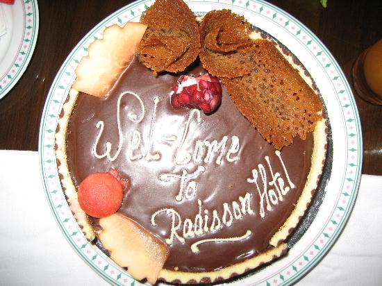 Radisson Hotel Kathmandu: Welcome cake