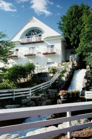 Mill Falls at the Lake: Waterfall