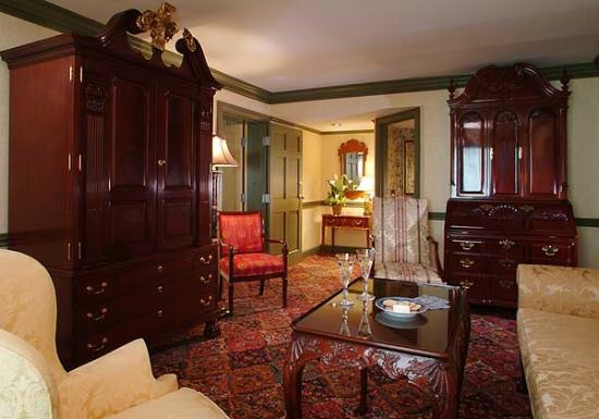 BEST WESTERN Brandywine Valley Inn: Winterthur Suite