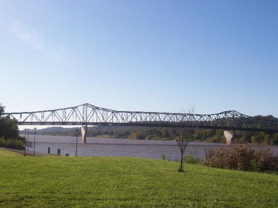 Huntington, WV: river