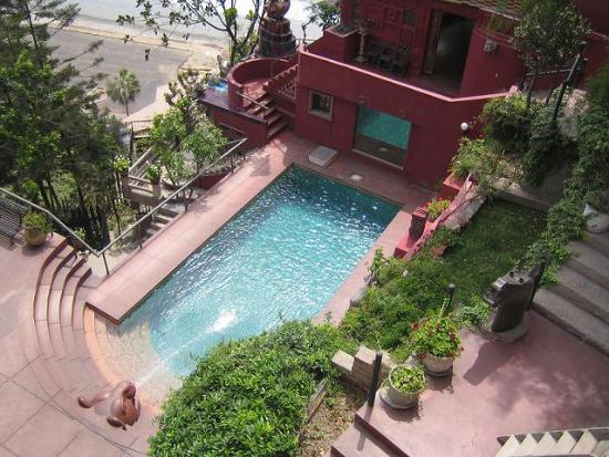 Second Home Peru: Pool... built into the Cliff