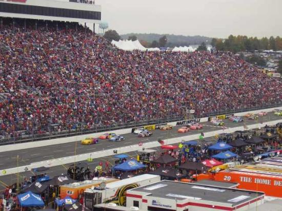 Martinsville, VA: Pace lap before the race started