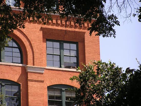 The Sixth Floor Museum/Texas School Book Depository: Texas Book Depository  U0026 Sixth Floor