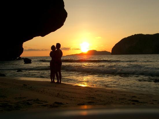El Nido Resorts Miniloc Island: sunset boulevard