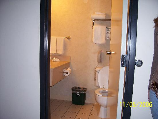 Foto de Country Inn & Suites By Carlson, Nashville Airport
