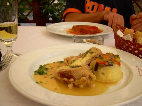 Hotel Zone : Food to die for