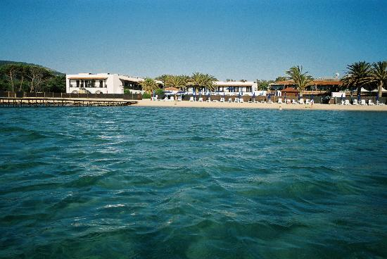 Hotel Portoconte: View of hotel from the water