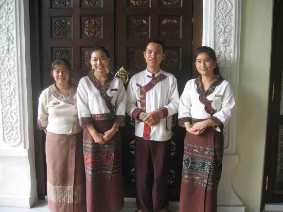 Puripunn Baby Grand Boutique Hotel: Some of the wonderful Puripunn people