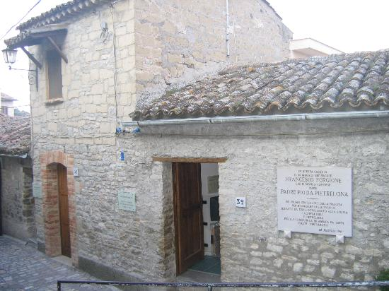 Μπενεβέντο, Ιταλία: House where Padre Pio was born in Pietrelcina province of Benevento