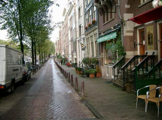 Bed & Breakfast Op de Gracht: The street