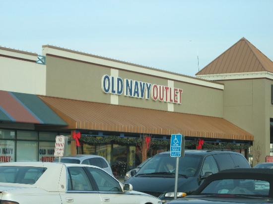 Albertville, MN: Old Navy Outlet