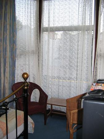 Russell Guest House: Inside Room 2