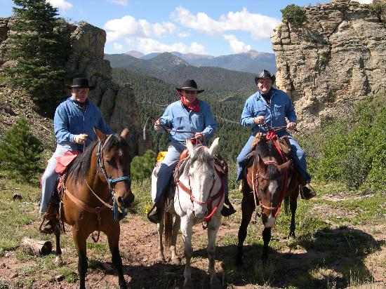Echo Canyon Guest Ranch : The three brothers.  Beatuiful views on the trail.