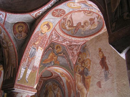 Kelebek Special Cave Hotel : frescos on a ceiling of one of the many chapels in the open air museum in Goreme