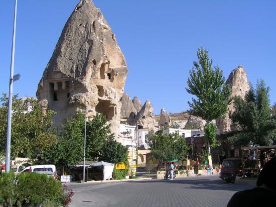 Kelebek Special Cave Hotel: fairy chimney next to Kale Terasse restaurant