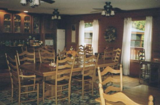 Berry Springs Lodge: Dinning Area