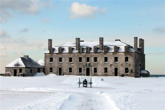 Youngstown, État de New York : Winter shot of French Castle at Old Fort Niagara