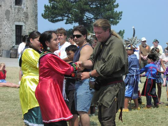 Old Fort Niagara: Native dancing at French and Indian War Event