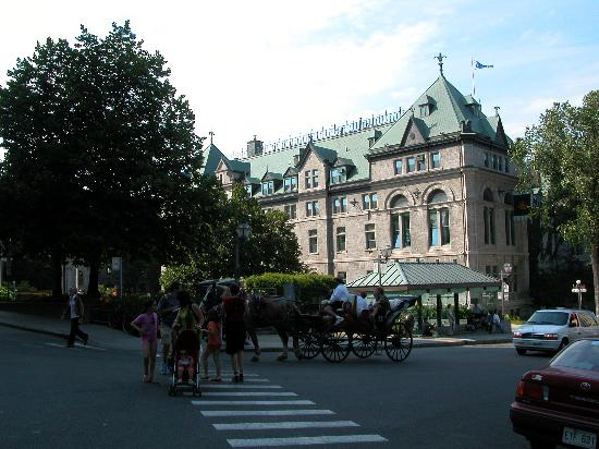 Montreal, Canadá: Place dArmes, VieuxQuebec