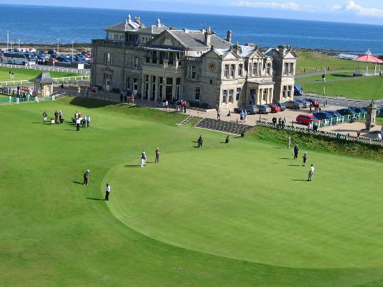 Сент-Эндрюс, UK: 18th Green at the Old Course of St. Andrews