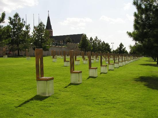 Оклахома-Сити, Оклахома: Oklahoma City National Memorial Chairs