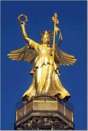 Berlin, Jerman: Lady Victory atop the Victory Column