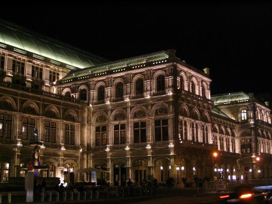 Wien, Österrike: State Opera House