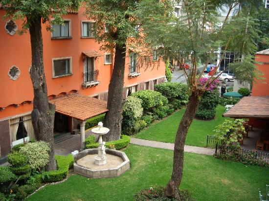 Hotel Maria Cristina: Patio