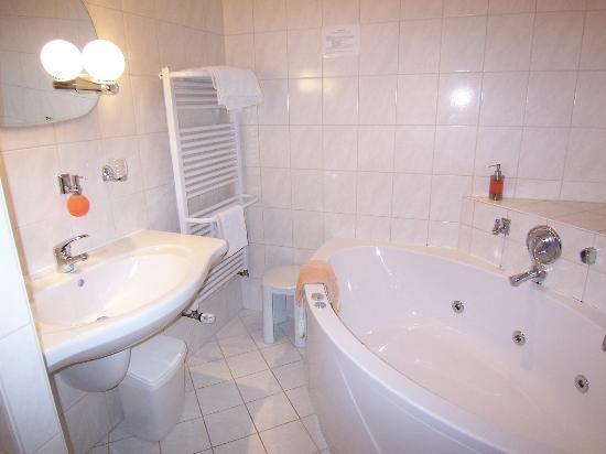 Hotel Burg Colmberg: Bathroom