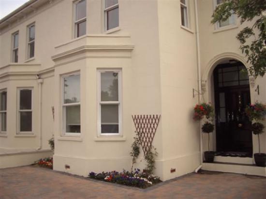 Burlington House: Front
