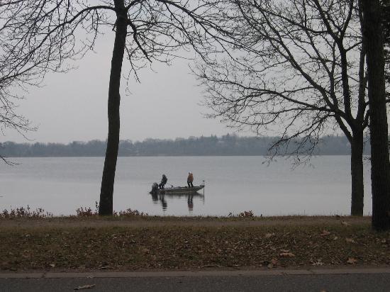 Lake Harriet: Nice day to fish