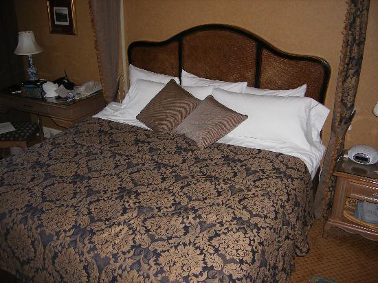 Wedgewood Hotel & Spa: Bed!