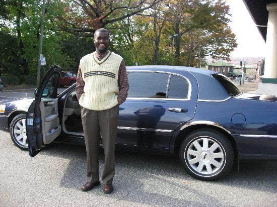 Courtyard West Orange: Fenn - Our excellent taxi driver with his limo!