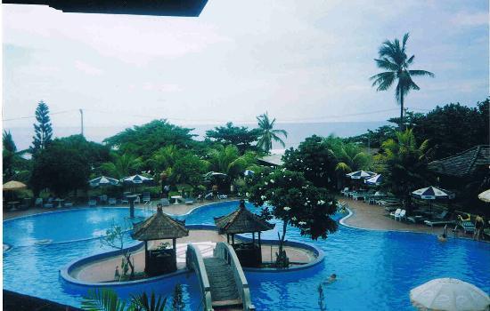 Grand Inna Kuta : Hotel pool