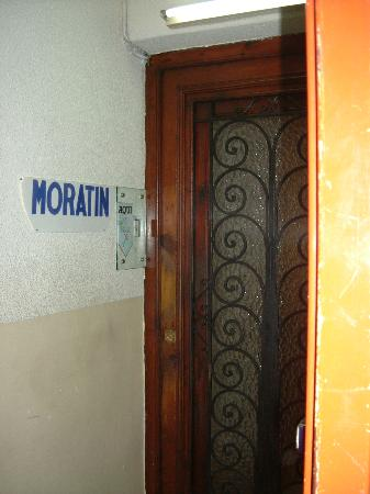 Hostal Moratin : Upstairs entrance